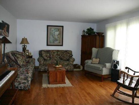 770 Castlewood Ln, Deerfield, IL 60015
