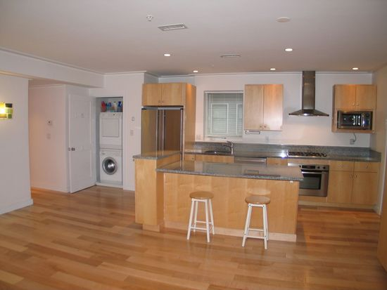335 W 2nd St UNIT 8, South Boston, MA 02127