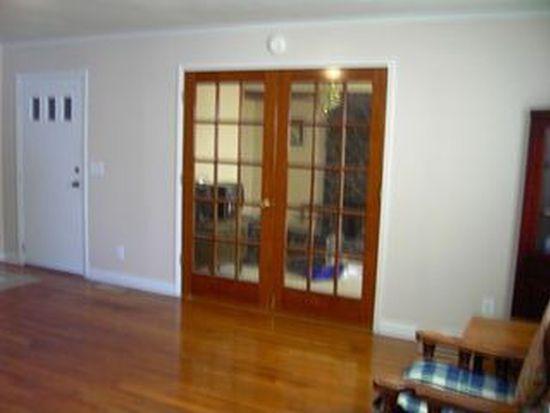322 Maple St, Hudson, NC 28638