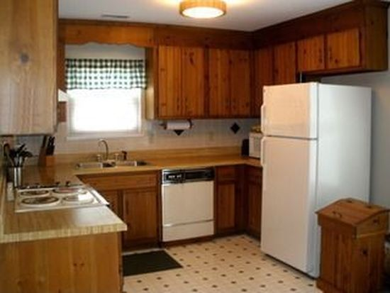2257 Ives Ln, North Chesterfield, VA 23235