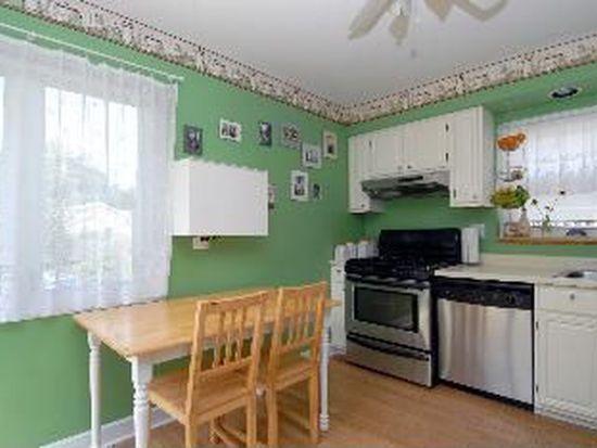 736 N Kaspar Ave, Arlington Heights, IL 60004