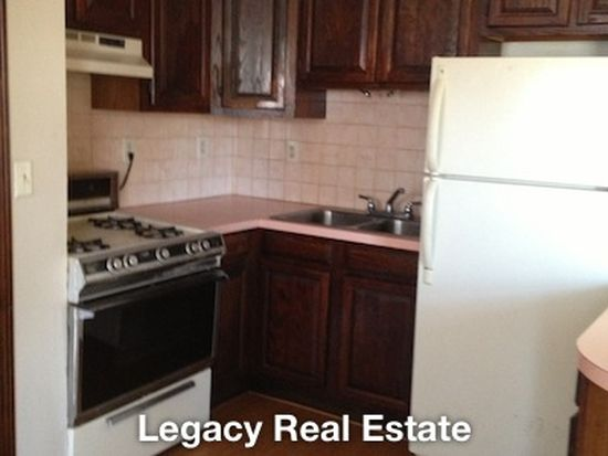 200 High St APT 1, Pawtucket, RI 02860