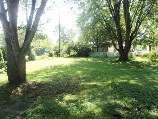 201 Quaker Rd, Heath, OH 43056