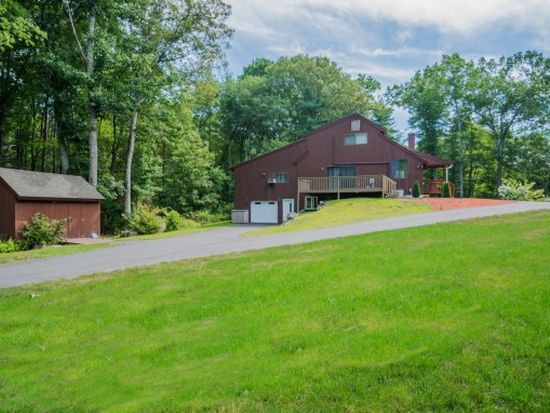 35 Stanley Brook Dr, Salem, NH 03079