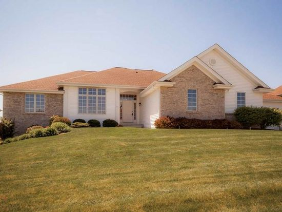 617 Castle Wynd Dr, Loves Park, IL 61111
