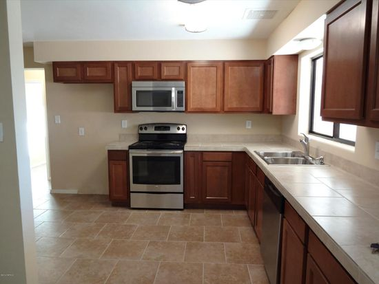 6085 E Beverly St, Tucson, AZ 85711