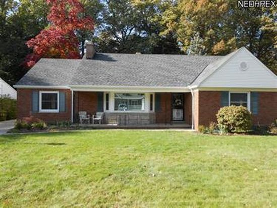 3570 Dellbank Dr, Rocky River, OH 44116