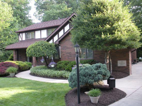 1115 Foxwood Dr, Hermitage, PA 16148