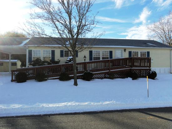 6 Copperfield Dr, Cream Ridge, NJ 08514