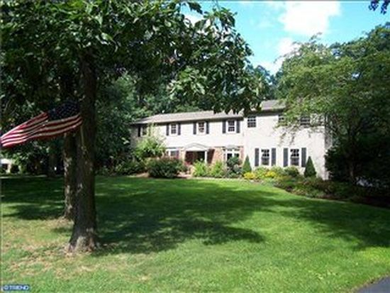 127 E Woods Dr, Harleysville, PA 19438