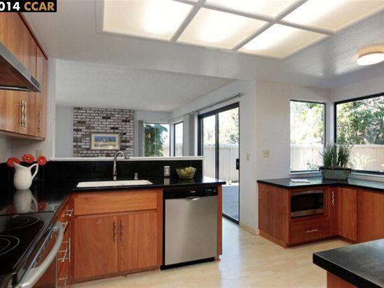 360 Flaming Oak Dr, Pleasant Hill, CA 94523