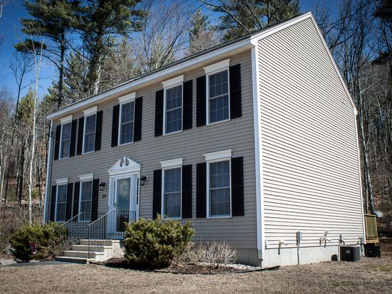 228 Badger Hill Dr, Milford, NH 03055