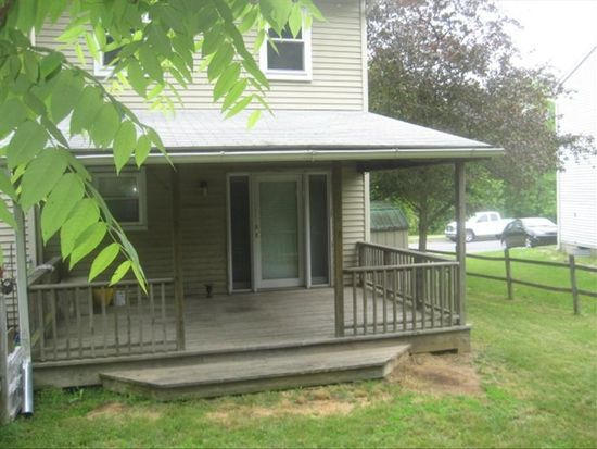 402 Old Forge Dr, Bath, PA 18014