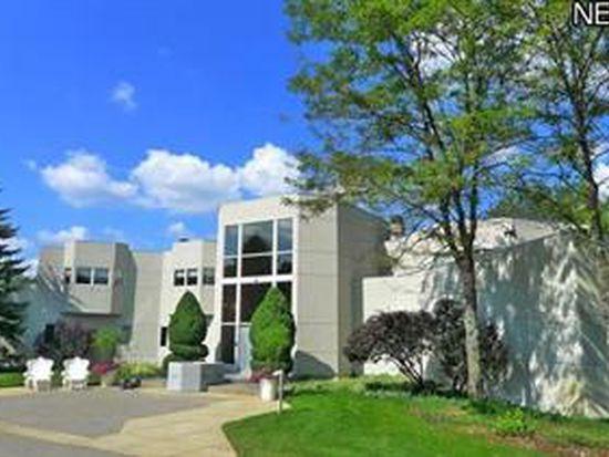 4735 Mallard Pond Dr, Akron, OH 44333