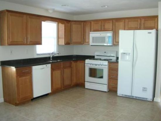 151 Washington St UNIT 151, Taunton, MA 02780