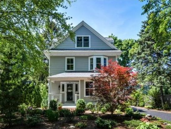 9 Hunting St, Wellesley, MA 02481