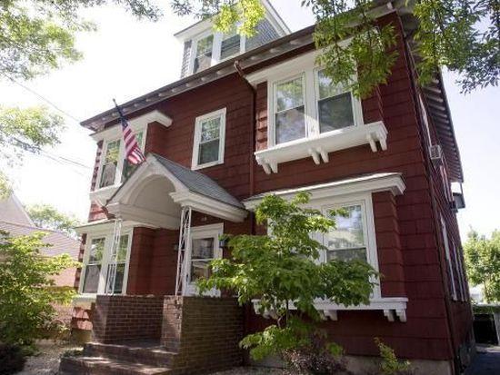 18 Roslyn St, Salem, MA 01970