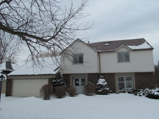 9608 Wooded Path Dr, Palos Hills, IL 60465