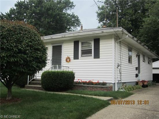 876 Chinook Ave, Akron, OH 44305