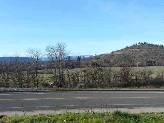 1532 S Shasta Ave, Eagle Point, OR 97524