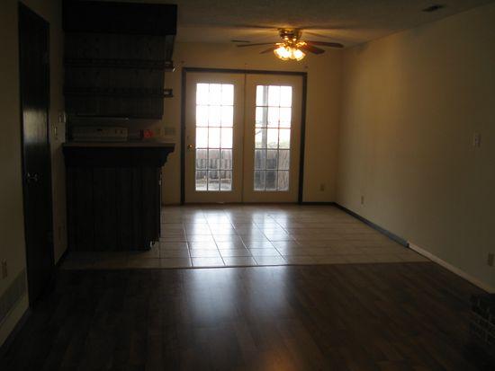 3286 Merrill St, Lincoln, NE 68503
