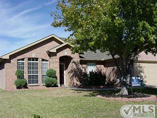 639 Saint Eric Dr, Mansfield, TX 76063