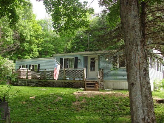 23 Lakewood Dr, Pittsfield, MA 01201
