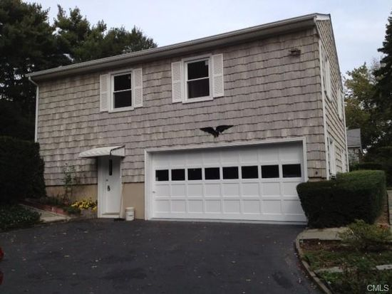 44 Lockwood Ln, Riverside, CT 06878
