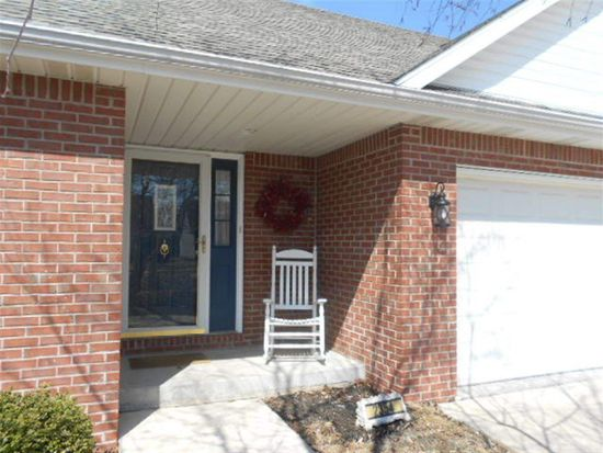 2354 Cailynn Dr, Terre Haute, IN 47802