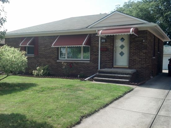 489 N Rocky River Dr, Berea, OH 44017