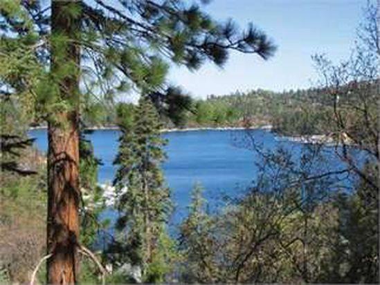 354 Emerald Dr, Lake Arrowhead, CA 92352