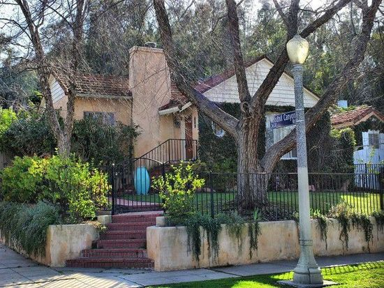 12132 Laurel Terrace Dr, Studio City, CA 91604