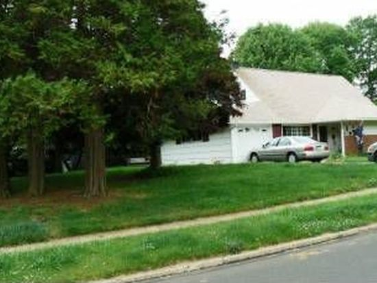 1 Hawk Rd, Levittown, PA 19056