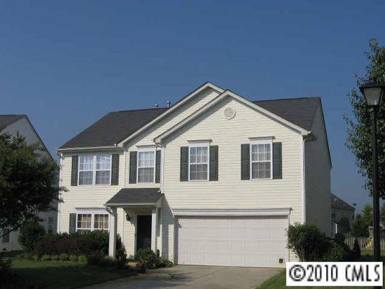 4018 Cameron Creek Dr, Matthews, NC 28105