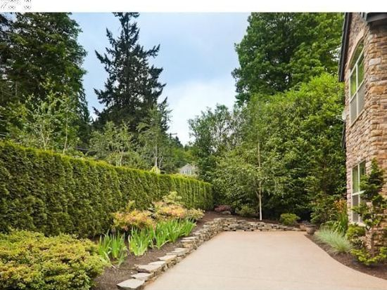1345 Cherry Ln, Lake Oswego, OR 97034