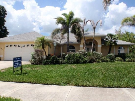 440 Lake Of The Woods Dr, Venice, FL 34293