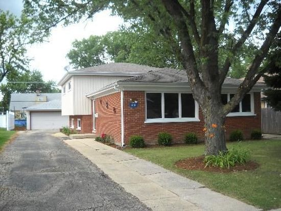 212 W Natoma Ave, Addison, IL 60101