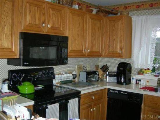 3803 Buttonwood Ln, Carmel, NY 10512
