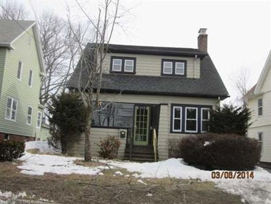 653 Forest Rd, West Haven, CT 06516