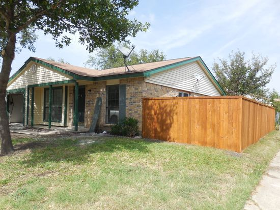7204 Augusta St, The Colony, TX 75056