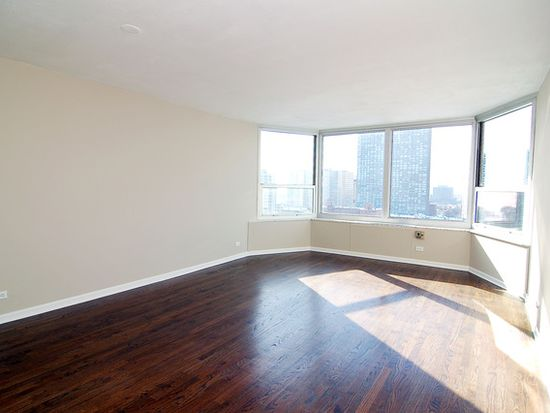 720 W Gordon Ter APT 17R, Chicago, IL 60613