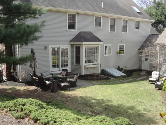 2 Powder House Rd, Medfield, MA 02052