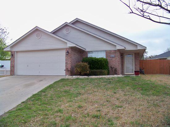 304 Sealy Ct, Gatesville, TX 76528