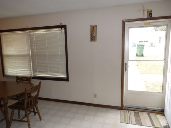 321 14th Ave, Brookings, SD 57006
