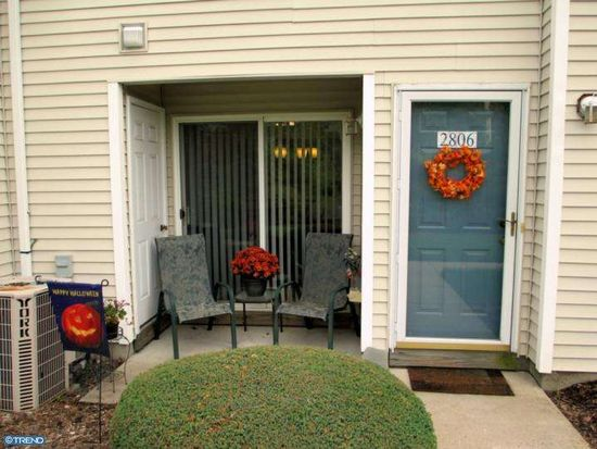 2806 Maryannes Ct, North Wales, PA 19454