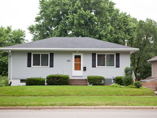 2200 10th Ave, Marion, IA 52302