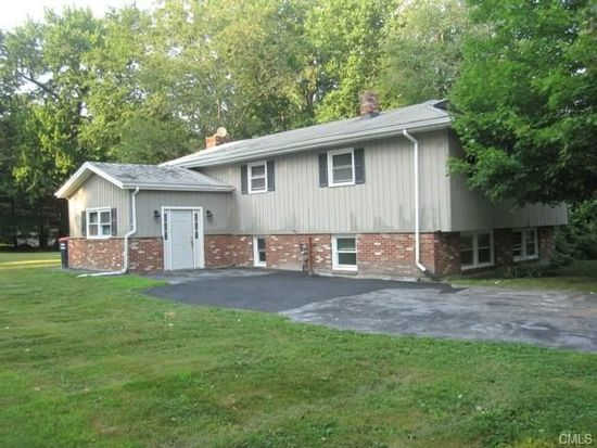 41 Wood Ave, Trumbull, CT 06611