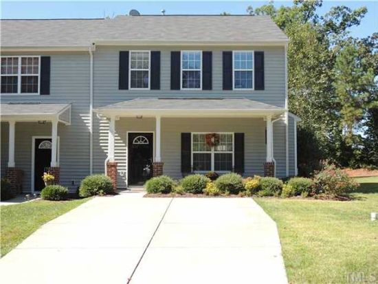 106 Cline Falls Dr, Holly Springs, NC 27540