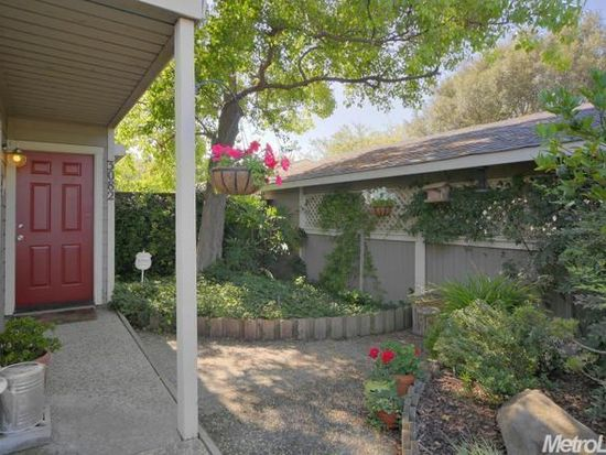 3082 Woods Cir, Davis, CA 95616