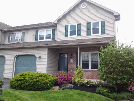 204 Evergreen Ln, Fleetwood, PA 19522